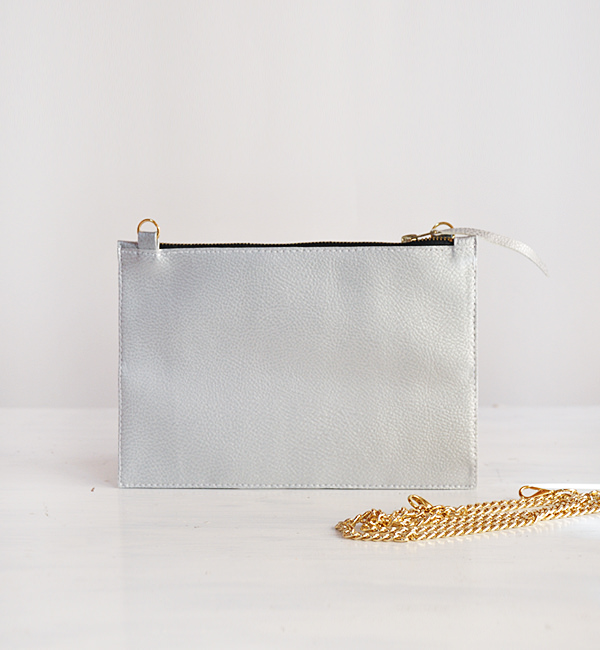 SMALL SILVER SHOULDER BAG