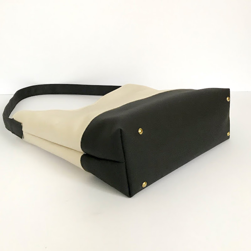 Vegan Leather Bag White and Black - Pitti Vintage